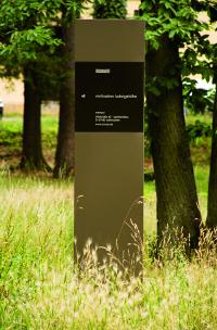 Vinification Ludwigshöhe Eingangsschild
